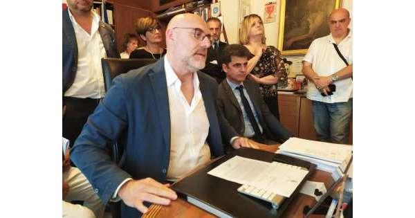 Chieti, si dimette il sindaco Di Primio