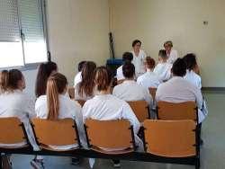 Alternanza scuola lavoro, studenti col camice bianco a Guardiagrele