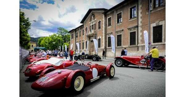 Barchetta e roadster al Circuito Avezzano: 100 equipaggi al via