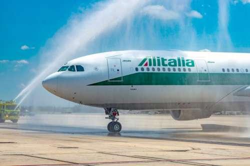 Alitalia, la clava della revoca perché non si hanno altre idee?