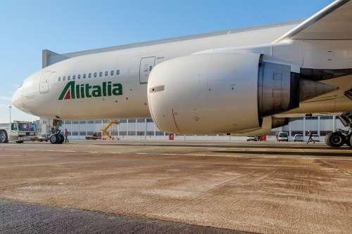 Alitalia, la storia infinita (con i tentennamenti di Luigi Di Maio)