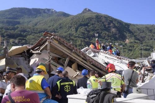 Difesa: terremoto a Ischia, l'impegno delle Forze armate