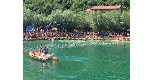 ANSA 22 07 2019 :                        Sul lago di Scanno 505 atleti per XTerra