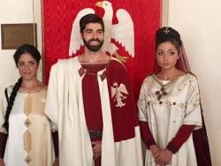 Perdonanza: in corteo all'Aquila il simbolismo dell'ulivo, la croce e la bolla