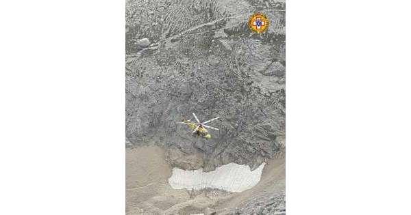 ANSA 21 08 2019 :                        Caduta sassi, alpinisti in difficoltà
