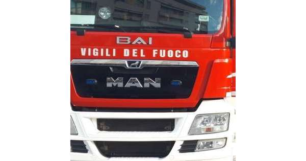 ANSA 16 09 2019 :                        Incendio in capannone a San Salvo