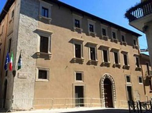 L'Aquila, amministrazione sorpresa per chiusura improvvisa info point