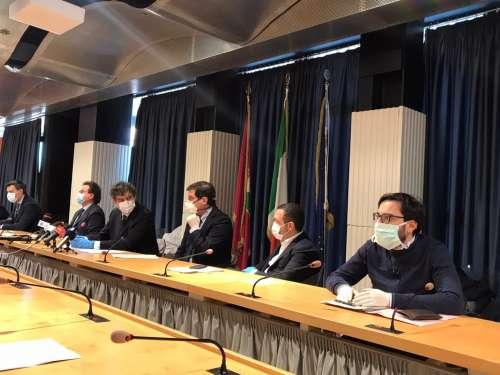 Covid19 Abruzzo. Economia, 70 milioni per i cittadini. Stop a tasse e canoni