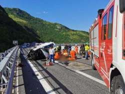 Incidente mortale sull'A24. 38enne perde la vita, due feriti gravi