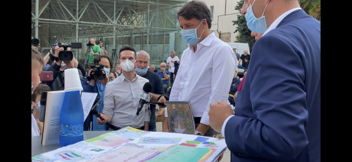 """Renzi a Teramo. La mossa del cavallo """"zoppo"""" tra il patetico e il banale"""