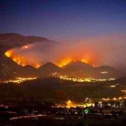 Incendio L'Aquila: oltre 300 gli uomini impegnati senza sosta per cercare di domare le fiamme