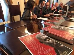 Pescara in smoking per lo Shakespeare a Villa Sabucchi (con la