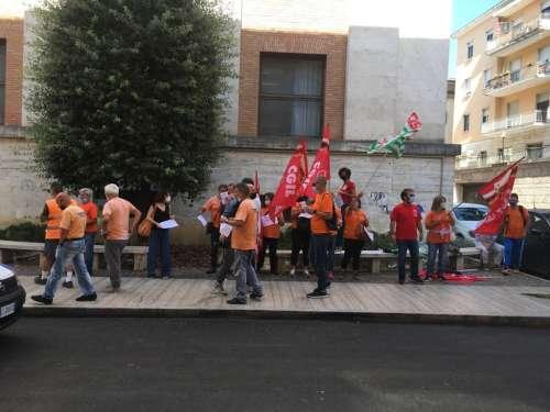 Teramo. Sit-in protesta lavoratori Tercoop