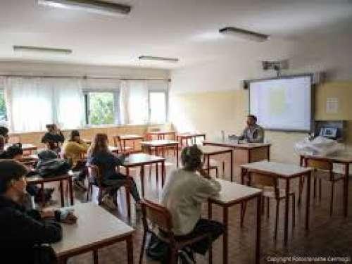 Scuola. Finalmente i 170mila studenti abruzzesi tornano in classe