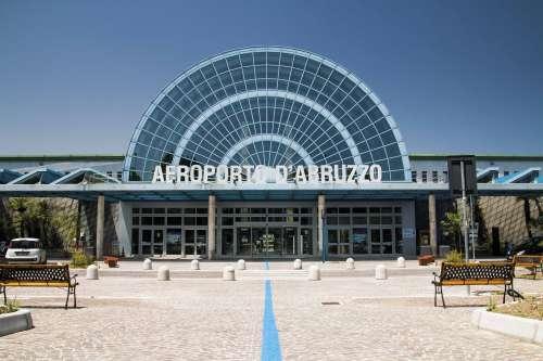 'aeroporto d'Abruzzo deve essere dentro il Recovery Fund
