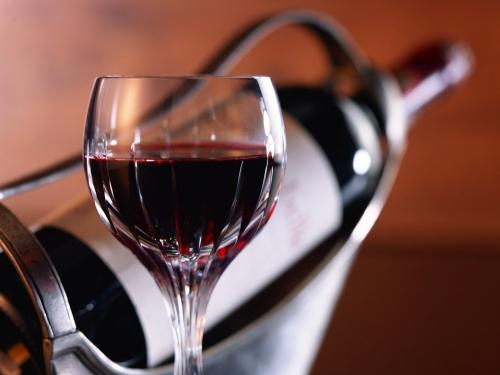 Perché Toscana e Abruzzo vanno alla guerra del vino