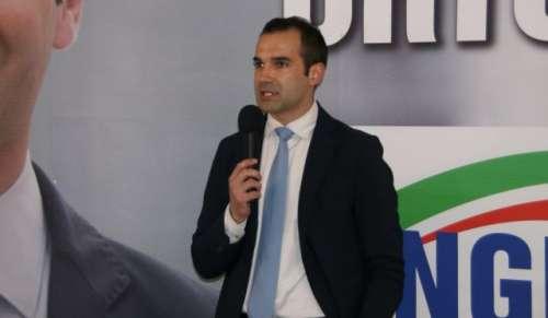 La giunta Castiglione sperpera risorse mentre la crisi colpisce i cittadini