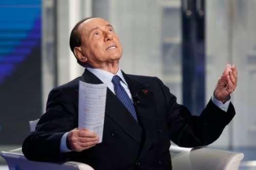Senza vergogna! Ecco pentastellati e piddini a protezione di Berlusconi