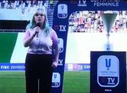 Casadilego canta l'inno alla Coppa Italia femminile