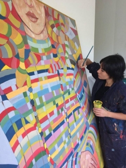 L'arte salverà il mondo (e speriamo anche L'Aquila): Sara Chiaranzelli al lavoro per la sua Medusa