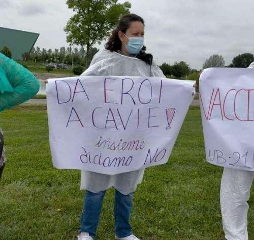 Sospesi da domani oltre 115 sanitari no vax