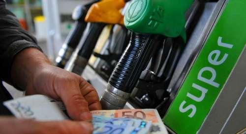 Record costo benzina: 11 euro in più da gennaio per un pieno