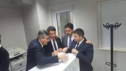 Cosa riserva a Renzi la visita in Abruzzo: congressi, trappole e cambi di posizionamenti
