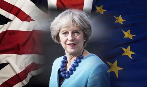 Negoziati sulla Brexit: May contro Merkel e Macron