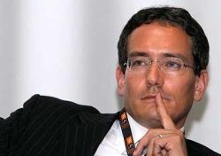 Dai confetti allo smartphone, il sulmonese Maximo Ibarra testimonial della sua compagnia telefonica