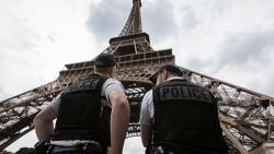 Francia: ministro interno Collomb, in caso di gravi attentati potrebbe tornare lo stato di emergenza