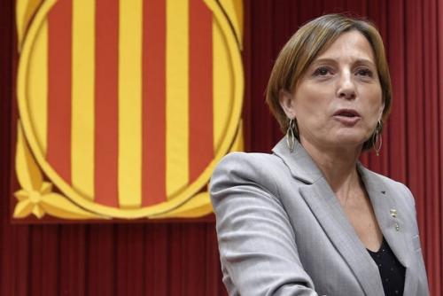 Spagna: Forcadell e i membri del Consiglio scelgono di evitare l'incarcerazione
