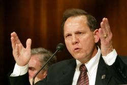 Usa: scandalo Moore, quinta donna accusa il candidato repubblicano di molestie