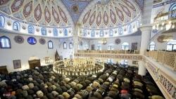 Germania, ministro emiratino dello sviluppo sociale: necessari maggiori controlli sulle moschee