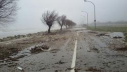 Crolli, strade allagate, traffico in tilt: tutti i guai del maltempo in Abruzzo
