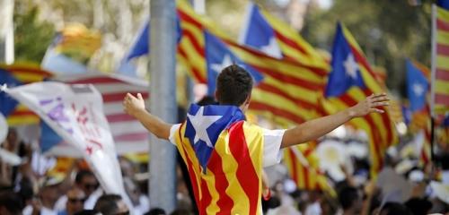 L'impatto della crisi catalana spinge la Spagna verso destra