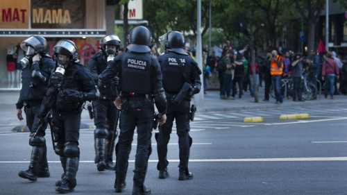 Spagna: Mossos cercano esplosivi durante un'operazione contro il jihadismo
