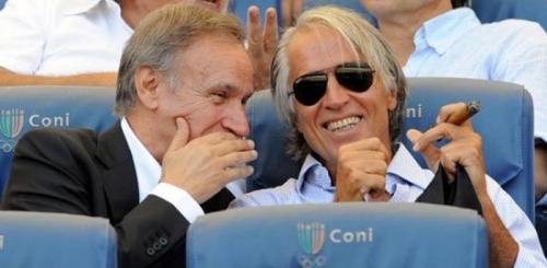 Tutti i potentati (e i piccioli) dietro la partita per il nuovo stadio di Pescara