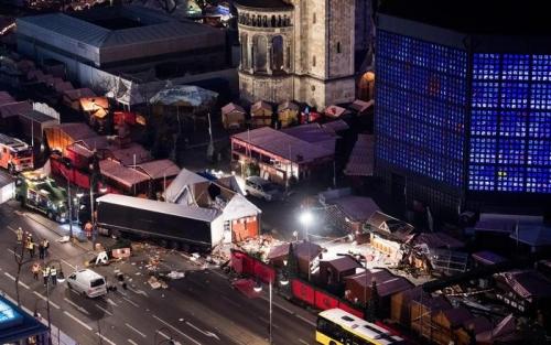 Germania: attentato Berlino, gli investigatori hanno trascurato le foto delle pistole di Anis Amri
