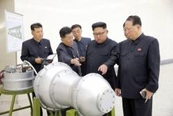 Corea del Nord: Pyongyang pubblica foto del suo nuovo Icbm