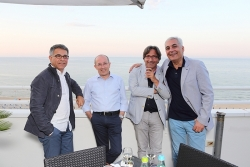 Party in riva al mare per il battesimo di Impaginato