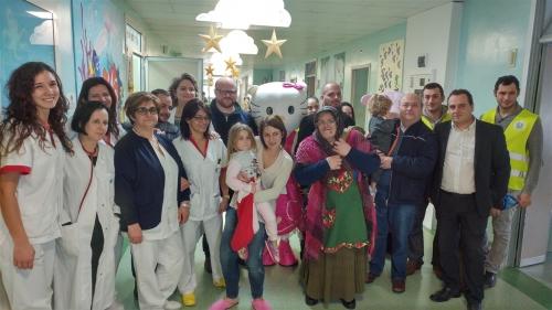 La Befana a Pescara, ecco le calze ai piccoli ricoverati in pediatria
