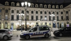 Che rapina al Ritz di Parigi: svaniti gioielli per più di 4 milioni