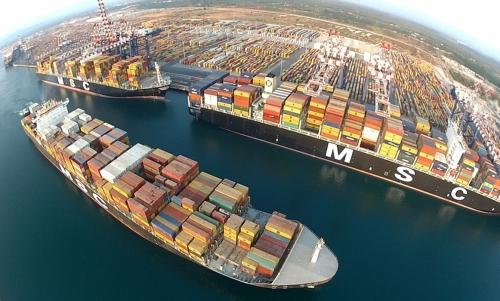 Logistica, containers, sviluppo dei Balcani: cosa porta in dote all'Adriatico la via della Seta?
