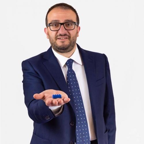 L'Aquila, chi è l'uomo macchina del candidato sindaco per il centro destra, Pierluigi Biondi