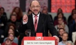 Sospiro di sollievo per Merkel: la Spd dice sì alla grossa coalizione