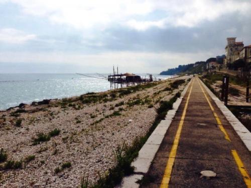 Che succede nelle ex stazioni ferroviarie sulla costa dei Trabocchi?
