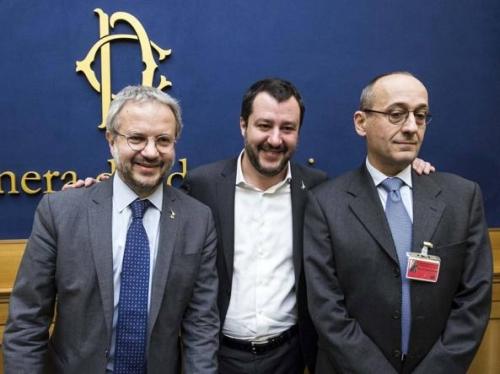 Il prof 'no-euro' candidato in Abruzzo: chi è Alberto Bagnai, scelto da Salvini