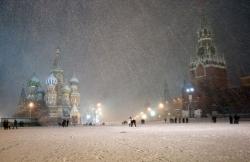 Nevicata record a Mosca in 24 ore: anche un morto