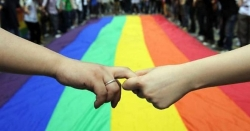 Rivolta a Bermuda: stop alle nozze omosex