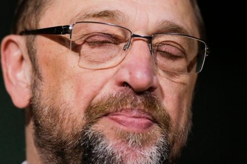 Spd, la crisi infinita: Schultz si dimette dalla guida del partito socialista